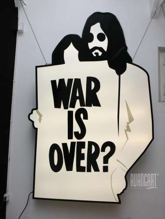 Marco Lodola - War is over